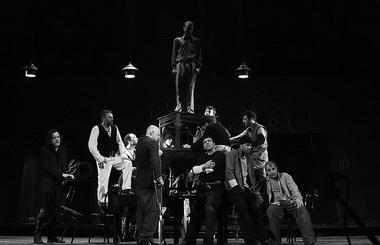 «Изгнанники». Национальный театр им. Ивана Вазова. Фото из архива фестиваля