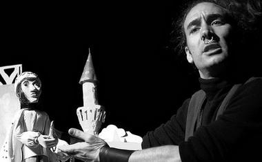 Д. Тодоров в спектакле «Аладдин и волшебная лампа». Фото В. Бойко