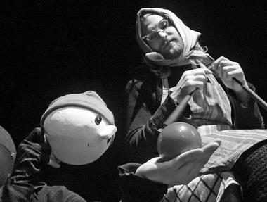Т. Ёхман в спектакле «Маленькая Красная Шапочка». Театр «Хурьяруут». Фото из архива фестиваля
