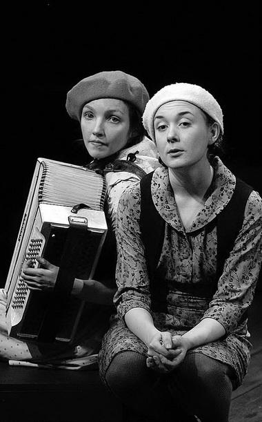 М. Мокшина, Н. Александрова. «Ангелова кукла». Фото В. Постнова