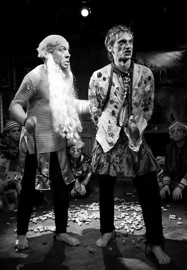 С. Федоров (Первый актер), О. Ягодин (Гамлет). Фото из архива театра