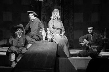 «Про кота в сапогах». Сцена из спектакля. Фото из архива театра