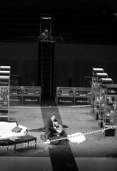 «Бенвенуто Челлини». Сцена из спектакля. Фото Н. Разиной