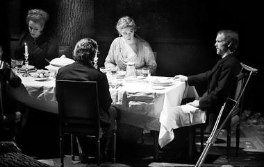 «Пеллеас и Мелисанда». Сцена из спектакля. Фото М. Сзабо