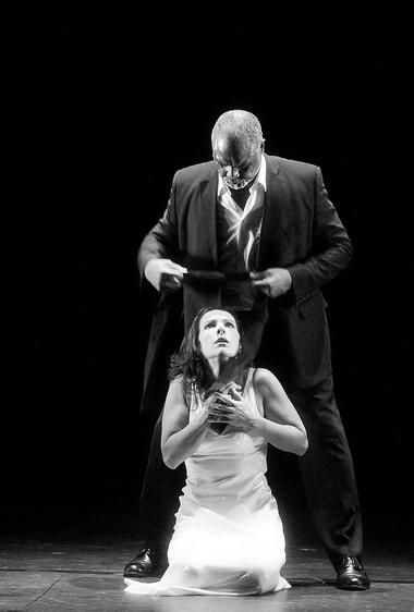 Б. Монзон (Юдит), У. Уайт (Синяя Борода). «Замок Синей Бороды». «Опера Гарнье». Фото из архива театра