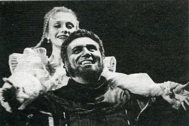 Е.Зимина (Дездемона) и Г.Смирнов (Отелло). Фото В.Красикова