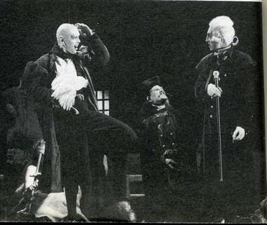 Н. Павлов (Адам) в сцене из спектакля «Разбитый кувшин». МДТ. Фото В. Васильева