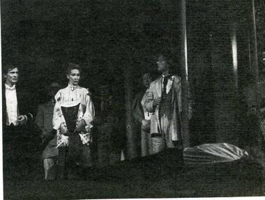 Сцена из спектакля. Фото А. Макарова