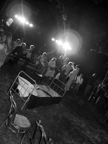 На спектакле Новосибирского Городского театра «Вишневый сад». Фото из архива автора