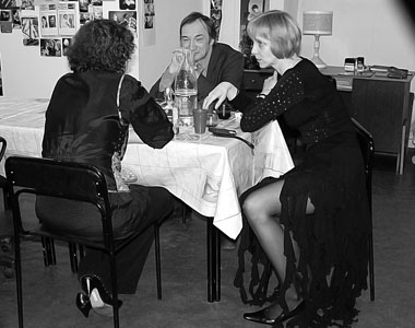 После какого-то праздника. А. Шепелёва, А. Кулиш, Е. Миненко. Фото М. Дмитревской