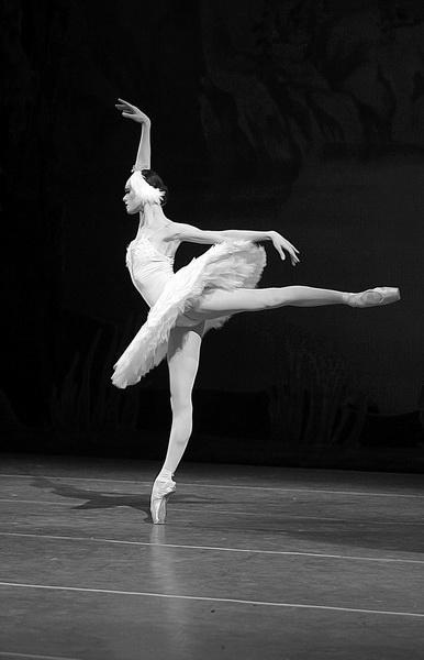 тень балерины фото