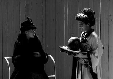 А. Куликова (Анна Сергеевна), Т. Аптикеева (Варвара Михайловна). Фото С. Ионова