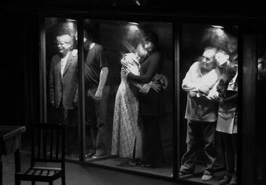 «Саранча». Сцена из спектакля. Театр Сатиры на Васильевском. Фото К. Синявского