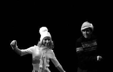 И. Максимкина (Тоня), В. Чуистов (Юра). «Доктор Живаго». Фото А. Медведева