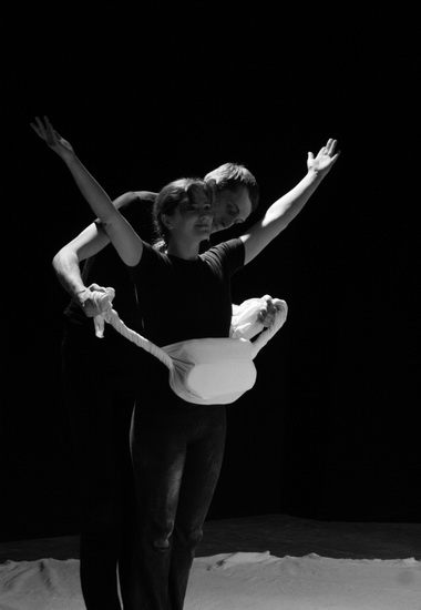 О. Агапова и А. Меженный в спектакле «Palimpseston». Фото Е. Сорокиной