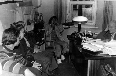 В кабинете Г. Н. Тураева на Владимирском, 14 (1987). Фото из архива Н. Поляковой