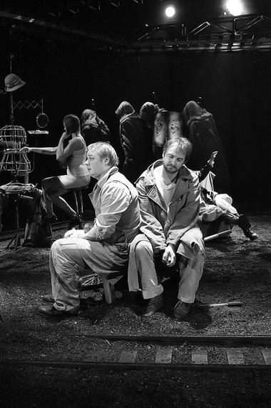 И. Николаев (Авигдор), Д. Воробьев (Даниэль Штайн). Фото К. Синявского