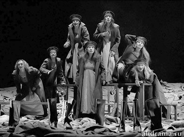 Сцена из спектакля «Войцек». Фото В. Сотникова
