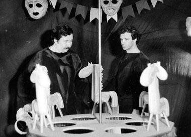 В. Шадрин и В. Морозов в спектакле «Куда ты, жеребенок?». 1981. Фото из архива Театра сказки