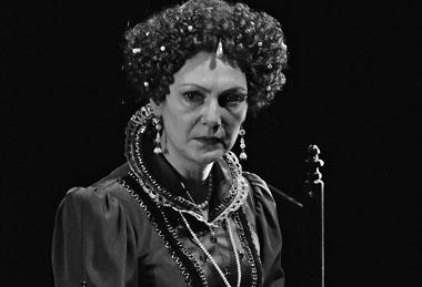М. Игнатова (Елизавета). «Мария Стюарт». БДТ. Фото из архива театра