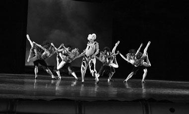 «Мастер и Маргарита». Пермский театр оперы и балета. 2003. Фото из архива Д. Авдыша