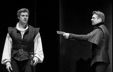 И. Ботвин (Дон Карлос), В. Дегтярь (Маркиз де Поза). Фото С. Ионова