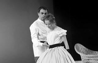 М. Морозов (Ислаев), А. Куликова (Наталья Петровна). Фото С. Ионова
