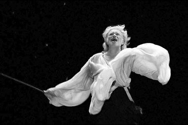 Сцена из спектакля «Король Лир». Фото из архива фестиваля