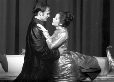Сцена из спектакля «Рудольф». Раймунд-театр. Фото из архива театра