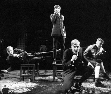 Сцена из спектакля «Пробуждение весны». Ронахер-театр. Фото из архива театра