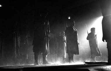 Сцены изспектакля. Фото А. Зайковой