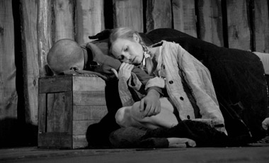 Д.Гомзяков (Талгат), С.Лепихина (Девушка). Фото А. Зайковой