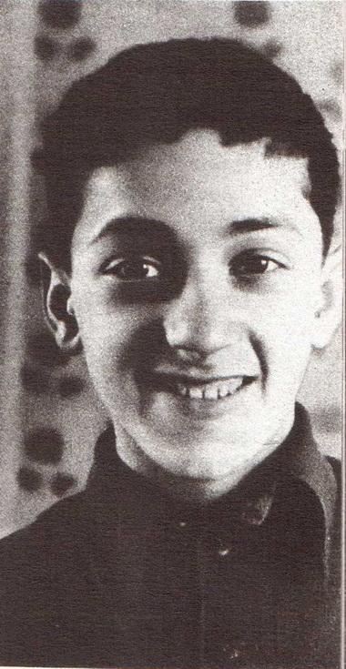 Резо Габриадзе. Вторая половина 40-х годов. Фото из семейного архива