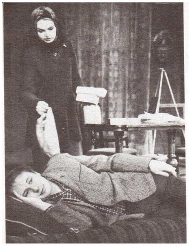 Е. Попова (Неля) и А. Толубеев (Терентий). «Жестокие игры». Фото Б. Стукалова