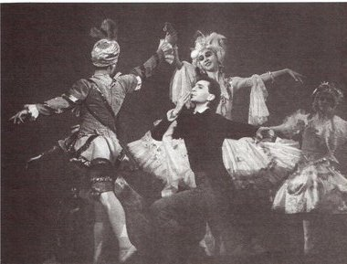 «Павильон Армиды». Сцена из спектакля. Фото Н. Разинойо