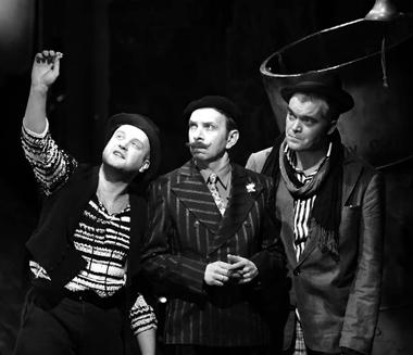 В.Коваленко (Гарпагон), Г.Алимпиев (Сганарель), Р.Агеев(Маскариль). ФотоИ.Андреева