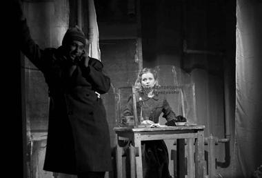 Е.Тихонова (Дворник). «Пять вечеров». «Пятыйтеатр» (Омск). ФотоА.Телеша