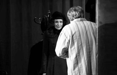 Л.Антипова (Тамара), Н.Пушкарев (Тимофеев). «Пять вечеров». «Пятыйтеатр» (Омск). ФотоА.Телеша