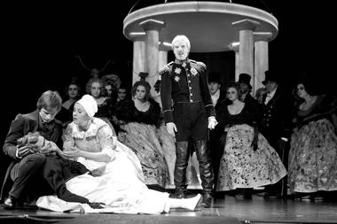 Сцена изспектакля«Гореотума». Русский драматический театр Литвы. Фотоизархивафестиваля