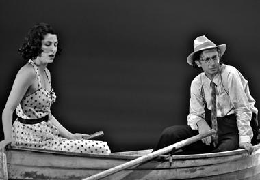 Э.Бен Цур (Маша), И.Демидов (Бродер). Фото изархива театра
