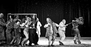 Сцена изспектакля «Реквием». Камерный театр Тель-Авива, Израиль. ФотоА.Гущина