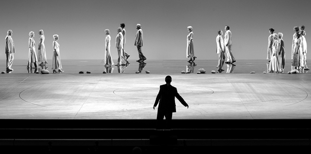 Сцена изспектакля «Орфей иЭвридика». Фото изархива фестиваля