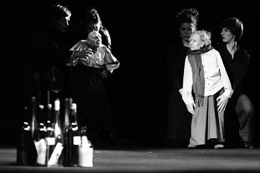 «Дорогая Тилла Дюрье». Высшая театральная школаим. Э.Буша (Берлин, Германия). Фото Д. Пичугиной