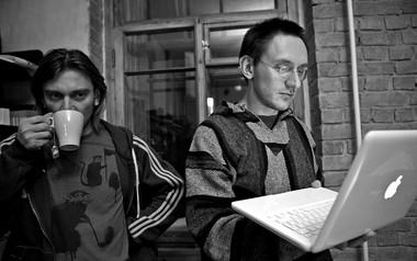 М.Дурненков, Б. Павлович налаборатории. ФотоВ.Луповского