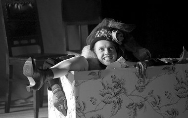 Сцены изспектакля «Катя, Соня, Поля, Галя, Вера, Оля, Таня...». ФотоН.Чабан