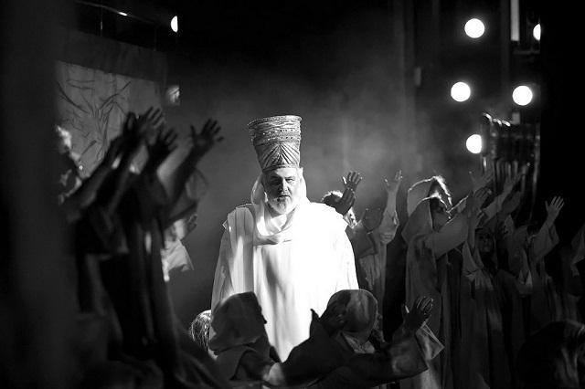 Сцена изспектакля «Набукко». Фото изархива театра