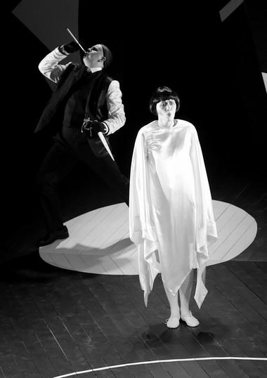 Сцена изспектакля «Белые ночи». Фото С. Ваура