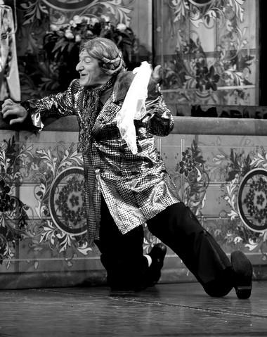 В.Яковлев (князь Базинелли). «Граф Люксембург». Иркутский музыкальный театр. Фото И. Сирохина