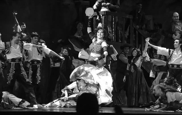 Сцена изспектакля «Кармен».  Татарский театр оперы ибалета.  Фото Л. Бобылева