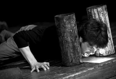 А.Савчук вспектакле «Два Лазаря».  Фото М. Гуляевой